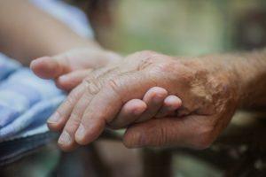 老老介護,問題点,解決策,リスク
